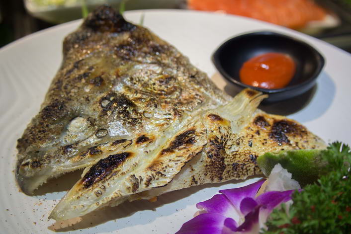 DAP21. Grilled Salmon head