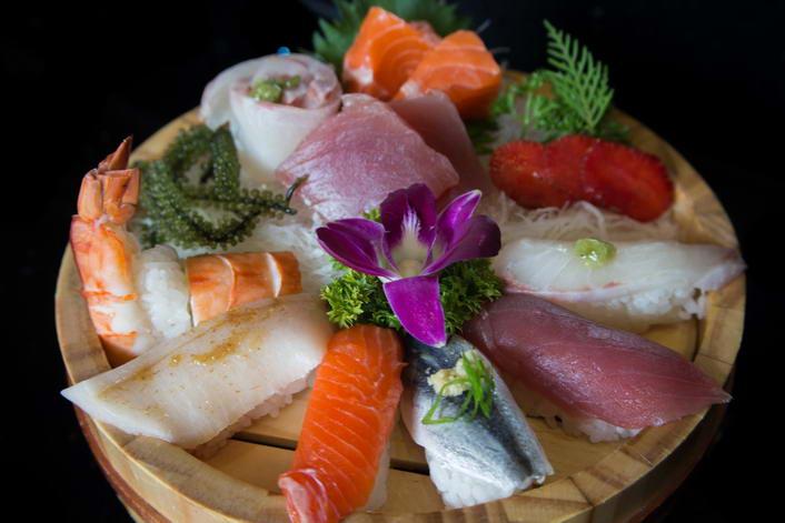Sushi lunch set 4