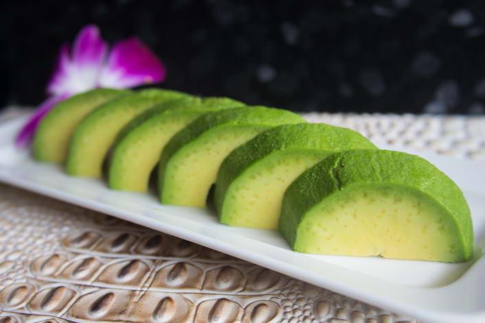 VEG11. Avocado sashimi