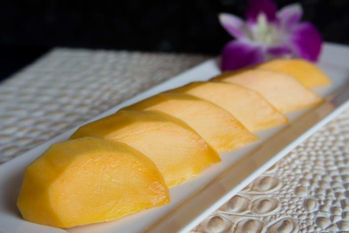 VEG13. Mango sashimi
